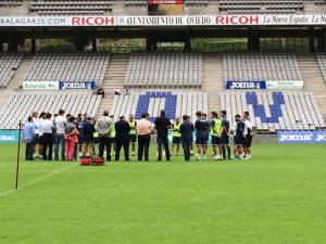 El Real Oviedo se entrena con un espectador de lujo