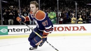 McDavid y los Oilers unidos por una extensión millonaria