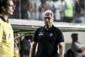 """Oswaldo destaca torcida do Atlético-MG após vitória sobre São Paulo: """"Jogou o time para cima"""""""