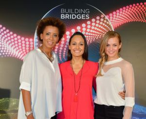 Eurovisión 2015 ya tiene presentadoras
