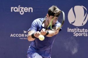 Orlando Luz deixa o Brasil para treinar na Espanha