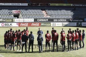 Racing de Santander - Osasuna: nuevos capitanes en las dos naves