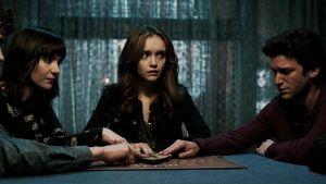 Concurso 'Ouija': sorteamos dos palos selfies de la exitosa cinta de terror
