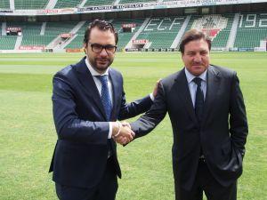 El nuevo director deportivo, Víctor Orta, es presentado en el Elche