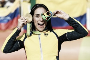 Rio 2016: Mariana Pajon dominates to win BMX gold in front of raucous Colombian crowd