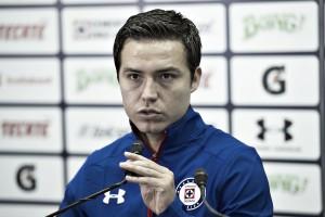 El 'Cubo' Torres reconoce que desea continuar en Cruz Azul