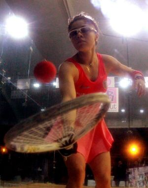 Va Paola Longoria por título en su Invitational