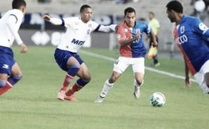 Em duelo de tricolores, Paraná e Bahia empatam sem gols pela Série B