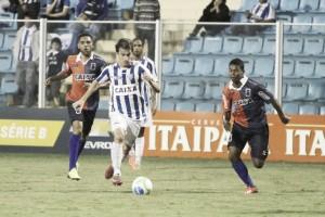Vindo de três vitórias seguidas, Paraná busca vaga no G-4 diante do embalado Avaí