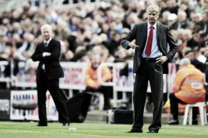 Result match Arsenal 4 Newcastle United 1 Live Text Commentary of EPL Scores 2014