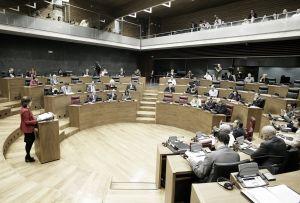 La plantilla descansa, no así los debates en el Parlamento