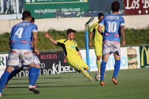 El Marbella golea al Lucena para cerrar la temporada