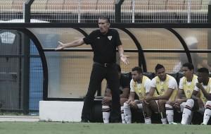 """Após derrota, Bauza avisa: """"Quem não estiver motivado sairá"""""""