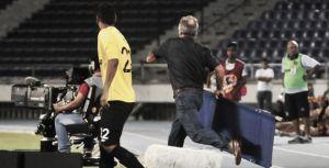"""Fernando 'Pecoso' Castro: """"Pensé que habían fracturado a Guazá, por eso tiré la camilla"""""""