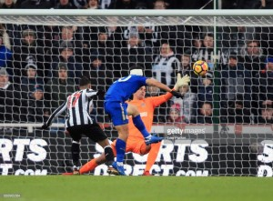 Memorable Match: Newcastle United 2-3 Leicester City -Pérez own goal gifts Foxes three points