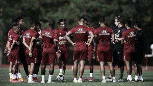 Selección Peruana ya entrena con el plantel completo