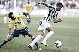 Pinillos y el Córdoba CF renuevan su vinculación para las próximas tres temporadas