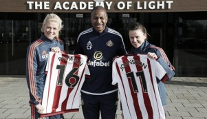 Sunderland Ladies sign Johnston and Pitman