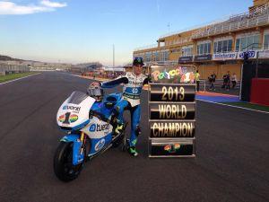 El campeón Pol Espargaró domina en Cheste