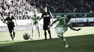 Rodríguez aprovecha el balón parado
