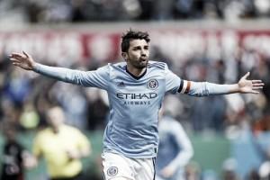 Villa lidera la goleada del City