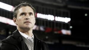 Jay Heaps deja de ser entrenador de New England