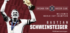 Bastian Schweinsteiger firma por Chicago Fire
