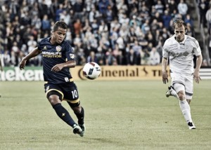 Dos Santos vuelve a salvar al Galaxy