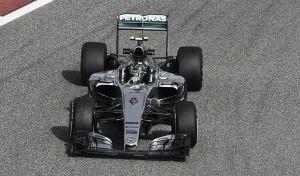 Mercedes lidera yFerrari mete miedo