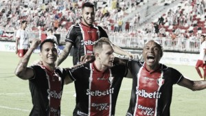 Rafael Grampola marca três vezes e Joinville passa por cima do Inter de Lages