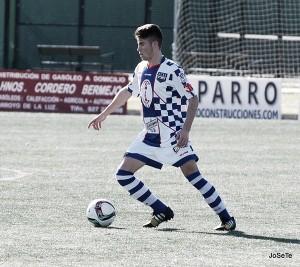Carlos López, a prueba con el Deportivo Aragón