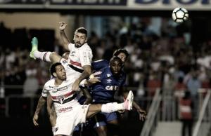 """Após gol contra, Lucas Pratto lamenta falha na derrota para Cruzeiro: """"Erro meu"""""""