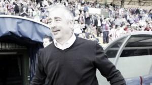 El Levante homenajea a Manolo Preciado con el liderato
