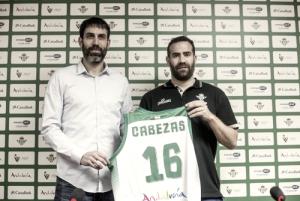 Carlos Cabezas, presentado como jugador del Real Betis Energía Plus