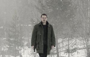 Crítica de El Muñeco de Nieve: Thriller correcto pero que peca de complejo