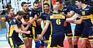 Pallavolo maschile - La Dhl Modena espugna il PalaTrento e sfiderà Perugia nella finale scudetto