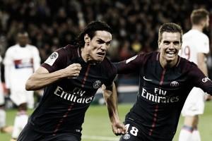 Cavani perde pênalti, mas PSG leva a melhor no clássico e tira invencibilidade do Lyon
