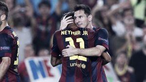 El Barcelona pasa primero gracias al tridente