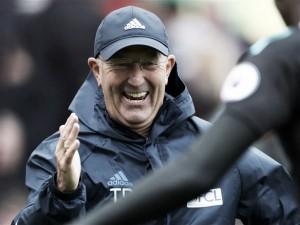 Pulis ya piensa en el Sunderland