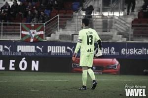 Asier Riesgo volvió a la titularidad... y volvió a lesionarse