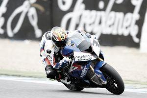 Dani Rivas pierde dos puntos de su carnet de piloto tras el incidente con Kenny Noyes en Jerez
