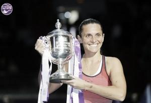 WTA St. Petersburg: Roberta Vinci prevails in thriller against Timea Babos