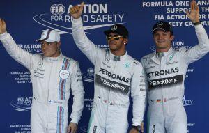 Hamilton prend la pole