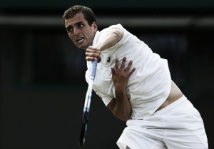 Albert Ramos va muy en serio en Wimbledon