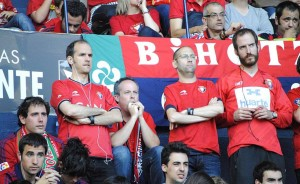CA Osasuna – SD Huesca: Un partido sobre el césped, varios en la grada