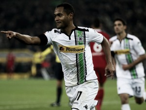 Borussia Mönchengladbach 2-1 Hannover 96: Raffael seals all three points late on