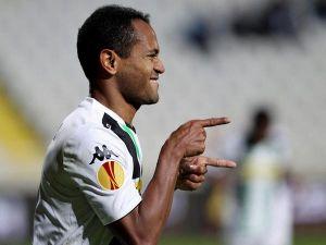Apollon Limassol 0-2 Borussia Mönchengladbach: Acomfortable away win makes it 18 unbeaten