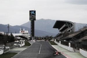 Mercedes y Ferrari dominan mientras McLaren sigue acumulando problemas