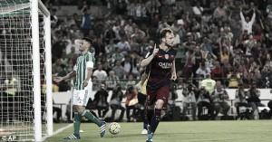 Real Betis 0-2 Barcelona: Rakitic and Suarez send Barca to top of La Liga