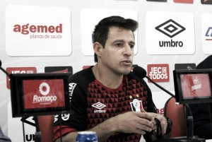 "Ramon Menezes lamenta virada do Goiás, mas garante: ""Ainda temos chances"""